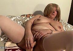 Old ma with saggy tits masturbate
