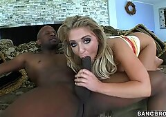 Jaelyn Fox bob on the knob of a black dude