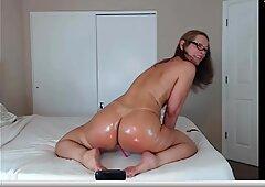 Jess Ryan- hot ass shake by webcam Show!