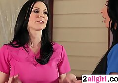 Milf Kendra Gets Pussy Licked By Masseuse Anissakate-2