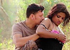 Hot Desi Shortfilm 247 - Farzana Boobs Kissed in Pink Bra, Navel Kissed