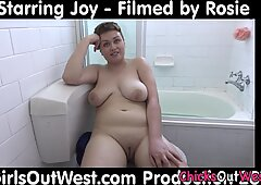 Bathing chubby australian