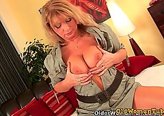 Insatiable mom craving a fist up her old pussy