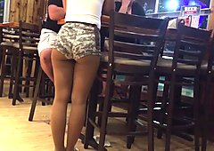 Teen ass at hooters