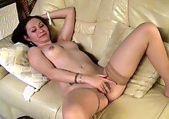 BRUNETTE MIHAELA SIMONIKA SOLO GIRL
