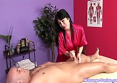 Rayveness Special Massage p. 2/4