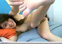 Teen webcam model show her sole