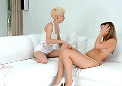 Lovemaking the lesbian way with Chica la Roxxx and Lexi Rain on Sapphic Erotica