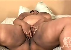 Black BBW Trixic Blowjobs