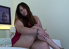 BBW fat ass Debora gets kinky just for us
