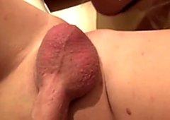 Muttersohnchen den Arsch entjungfert