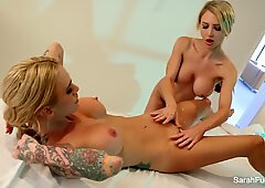 Alix Lynx gets an erotic massage from Sarah Jessie