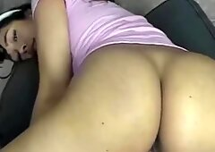 Thicc Latina Rubs Clit