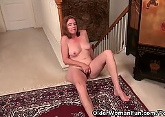 American gilf Melody needs toying her hairy cunt