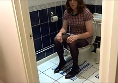 Alison Thighbootboy - anal plug and bathroom wank